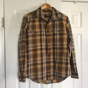 G.H. Bass & Co. Long Sleeve Button Down Shirt